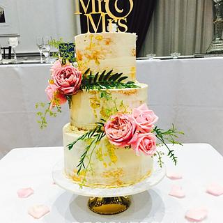 Mr & Mrs - Cake by designed by mani