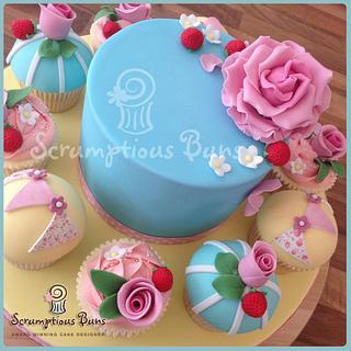 Big Cake Little Cakes : Vintage Rose
