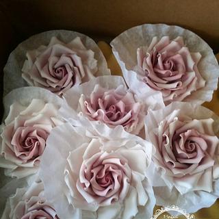Vintage roses - Cake by Maria Cazarez Cakes and Sugar Art