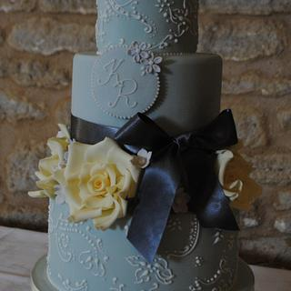 Grey and yellow - Cake by Hannah Wiltshire