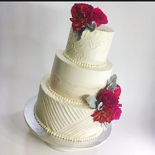 Romantic Buttercream - Cake by Sweet Traders