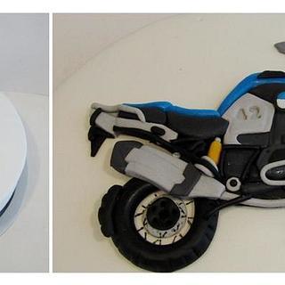 A BMW Bike Cake