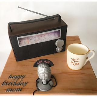 Old Radio Cake