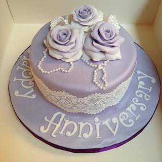 Vintage anniversary in purple - Cake by Enchanting Cupcakes hobby cakes