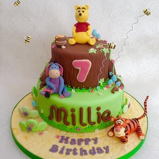 Winnie the Poo cake - Cake by Deborah Cubbon (the4manxies)