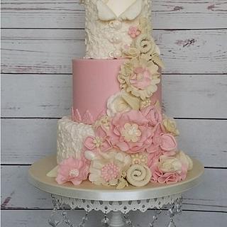 Vintage wedding cake with top hat