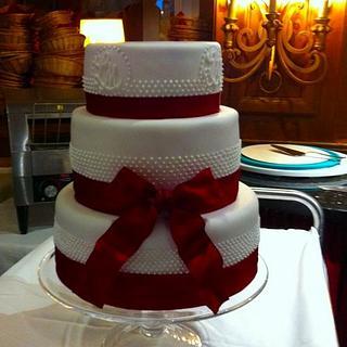 wedding cake white - red ribbon