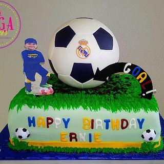 Soccer cake - Cake by Luga Cakes