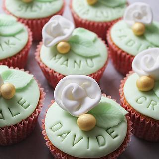 Cupcakes as 'Place cards'