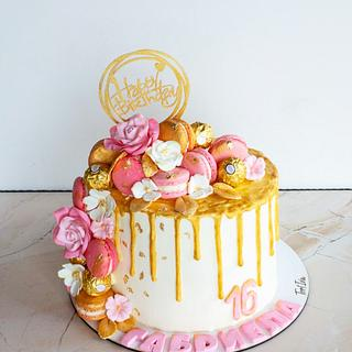 Cake with macaroons - Cake by TortIva