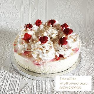 Coconut cheesecake & raspberry