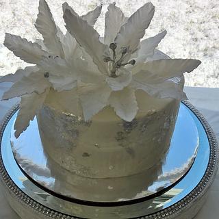 Silver Poinsettia Cake