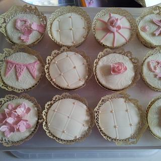 Wedding Cupcakes - Cake by Katescakes