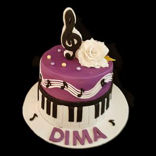 Piano themed cake.