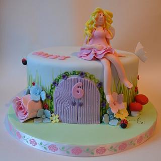 Flower Fairy  - Cake by Suzi Saunders