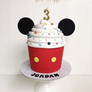 Mickey Cupcake Cake!