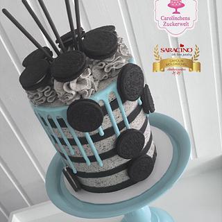 Oreo - Striped - Dripcake
