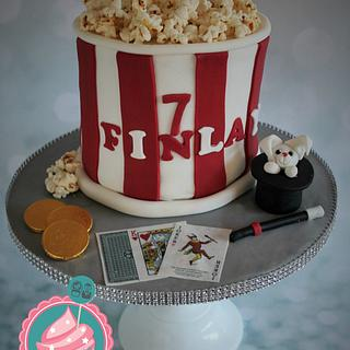 Popcorn and Magician - Cake by Candy's Cupcakes