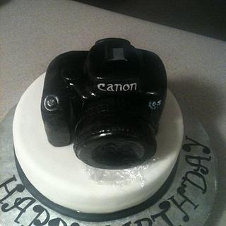 Canon Camera Cake - Cake by Cecilia Gonzalez
