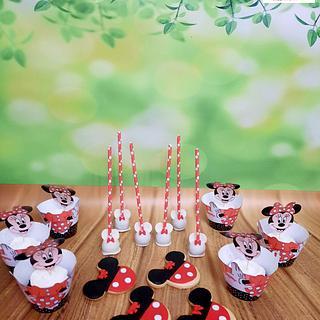 Minnie Mouse candy bar theme