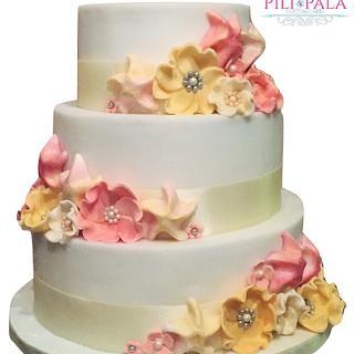 Beach wedding cake - Cake by Hannah Thomas