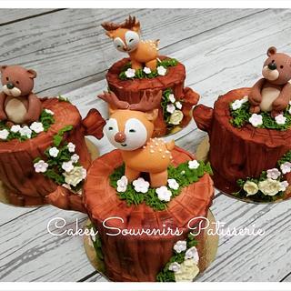 Forest animals cupcakes