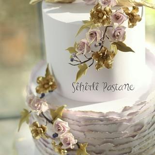 Gold Love Birds Wedding Cake