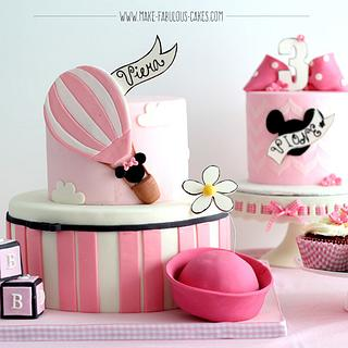 Vintage Minnie Mouse Cakes - Cake by Make Fabulous Cakes