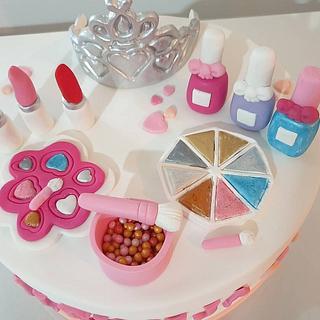 Make-up cake💄💅 - Cake by TORTESANJAVISEGRAD