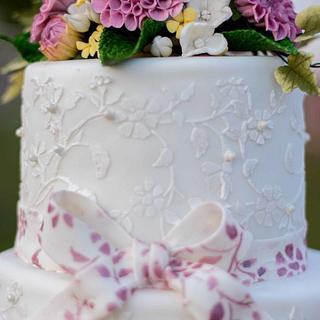 Pinkk dahlia lace wedding cake - Cake by Pinkribbon cakedelight (Marystella)