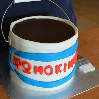 painter's bucket cake