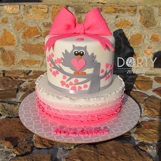 Ruffle owl cake