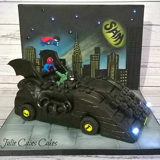 Lego Superheroes - Cake by Julie Cain