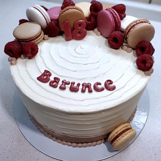 Simply cake with macarons