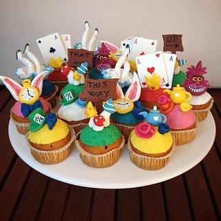 Alice in Wonderland... Cupcakes!