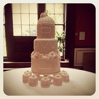 Pretty Birdcage Cake xx