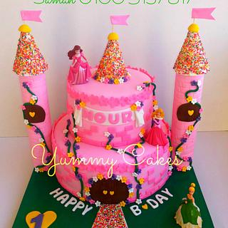 """Princesses Castle Cake"