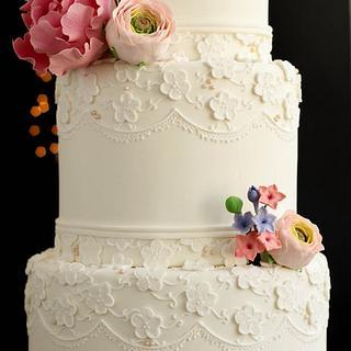 Vintage love wedding cake