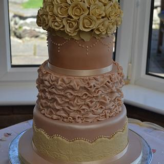 Roses and Ruffles wedding cake - Cake by Môn Cottage Cupcakes