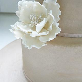 Simplicity - Flower and Bow  - Cake by Patricia Tsang