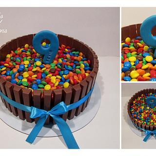 Kit Kat and Smarties Cake