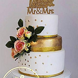 gold dust wedding cake