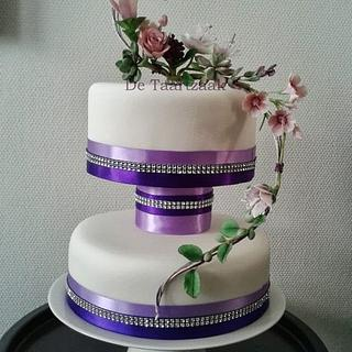 Wedding cake with sugarflowers