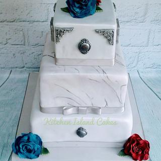 Marbled brooch Wedding cake