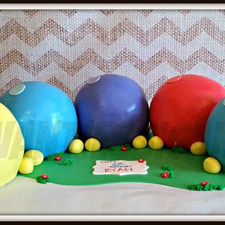 Inch worm - Cake by Jessica Chase Avila