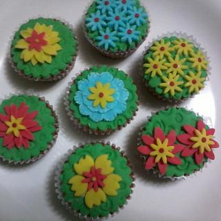 Green Mango Cupcake with Creamcheese and Fondant Icing