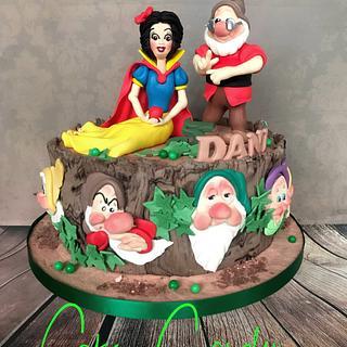 Snow white cake - Cake by Cake Garden