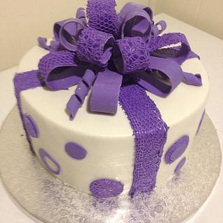 beautiful lace bow - Cake by Forgoodnesscakes