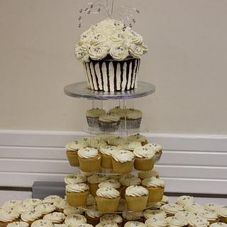 Large Vanilla Cupcake Tower - Cake by auntiecake