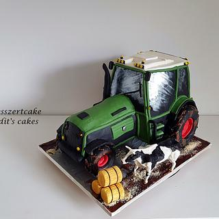 Tractor cake with cow - Cake by Judit
